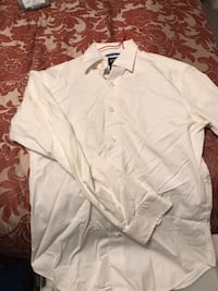 Men's white dress shirt xs $5 Calgary, T2A 7B6