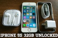 Silver Iphone 5S UNLOCKED 32GB w/ Accessories  Arlington