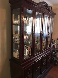 Large dining room buffet. Excellent condition Vaughan, L4L