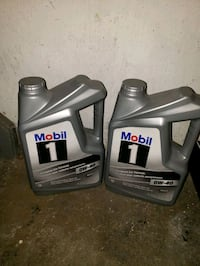 Mobile 1 OW-40 synthetic motor oil