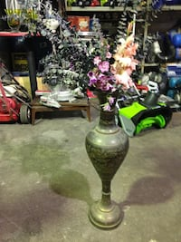 Brass Vase Large Vintage $100 New Westminster, V3M
