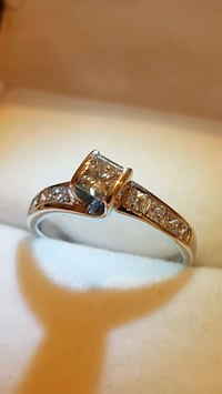 14kt Diamond Ring Toronto, M9B 3J7