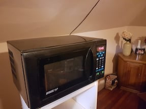 Microwave with extra outlets