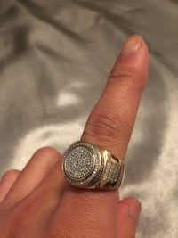 Unisex 10k Rose Gold + REAL DIAMOND Ring sz 8 . Priced to sell ! BIG BLING real gold Chevy Chase View, 20895