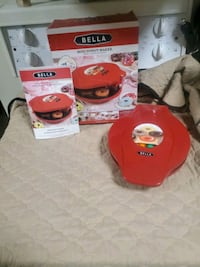 Bella Mini Donut Maker  Edmonton, T5H 3Z3