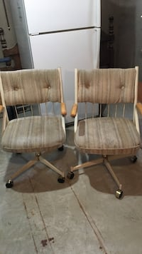 Two gray-and-brown rolling chairs Guelph, N1E 2B2