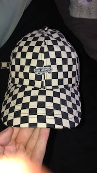 Vans checkered hat Fitchburg, 01420
