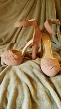 Mauve colored high heels- size 8