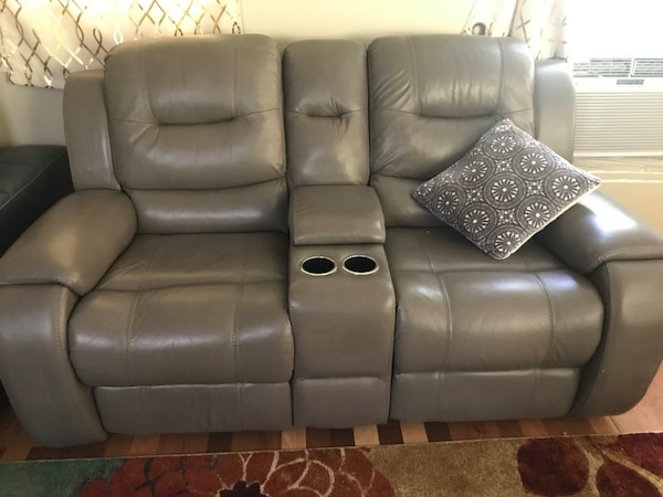 Home theater recliner loveseat