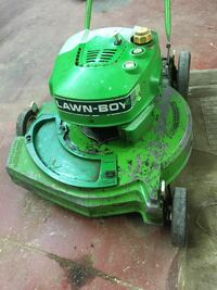 green Lawn boy push lawn mower Smith-Ennismore-Lakefield, K0L