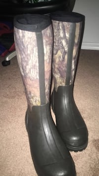 Redhead size 12 water proof  boots