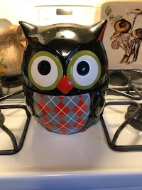 Owl cookie jar. New, only used for decor Hagerstown, 21742