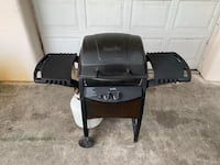Charbroil Gas grill with Full Tank 835 mi
