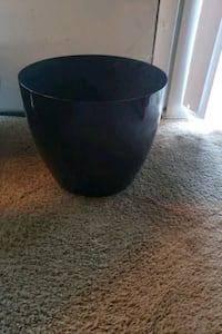 "Plant pot for a 10"" plant or 12"" plant"
