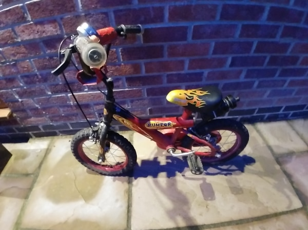 """Bumper Red Bike 14"""" * Collect From Leeds LS17 *"""
