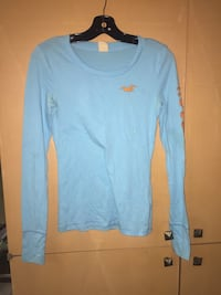 blue Hollister sweatshirt Mississauga, L4W 2Z5