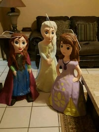 two Disney Frozen Elsa and Anna dolls Dallas, 75236