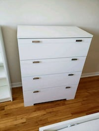 CHEST OF DRAWERS Montréal, H4V 1X7