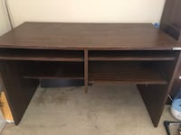 Wooden table | 4' x 2' x 2.5' (w x d x h)  | Very good condition | Computer | Study | Multi purpose Irving, 75039