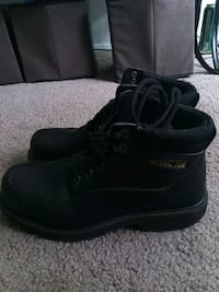 pair of black leather work boots Dallas, 75250