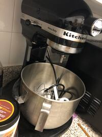 KitchenAid mixer, 5qt.complete with box and 2 attachments,rarely used Toronto, M4X 1W7