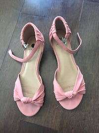 Pink shoes size 6 Kitchener, N2N 3E8