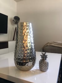 Talk silver vase and small silver pineapple  Los Angeles, 90038