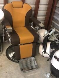 black and white leather office rolling chair Houston, 77066