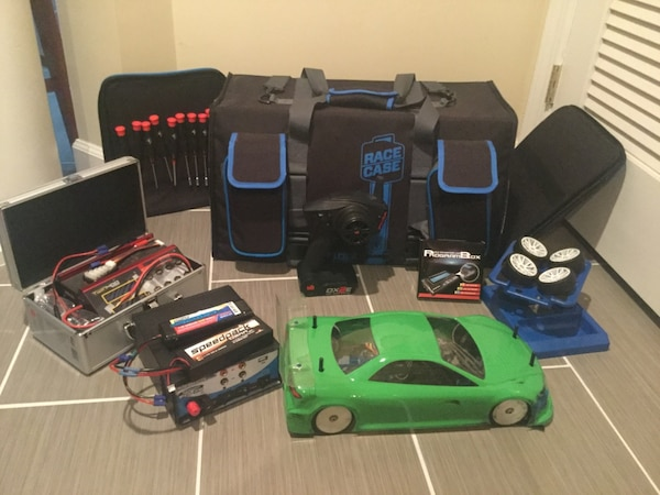 Green RC car 0