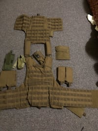 Tan molly plate carrier vest Silver Spring, 20904