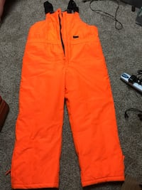 New XL 42 - 44 Hunting Orange Coveralls. (Never Worn) Radcliff, 40160