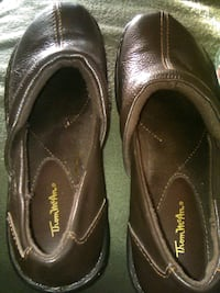 Thom mcan size 6 1/2 women's clogs