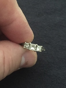 1 1/2kt tdw SI1 Princess cut and round cut 14kt white gold size 6, $1200 OBO
