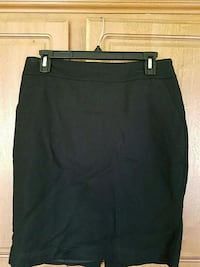 Skirt merona size 4 Sterling Heights, 48312