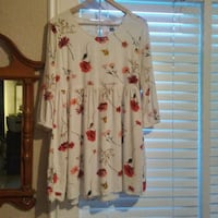 white and red floral long-sleeved shirt Kelowna, V1Y 4Y2