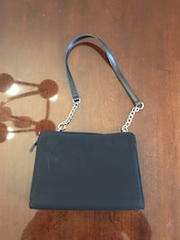 Purse with magnetic exterior covers Georgetown, L7G 1X6