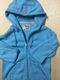 TNA ARITZIA BLUE ZIPUP HOODIE SIZE MEDIUM WOMENS CLOTHING  Edmonton, T6J
