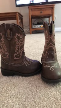 baby cowgirl boots sz 5 Germantown, 20874