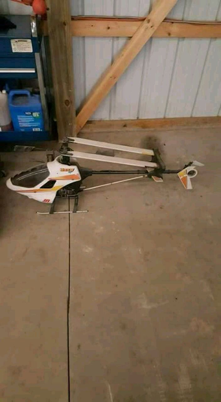 Photo RC GAS STUFF FOR TRADE. TRADE FOR A BIG MOWER OR
