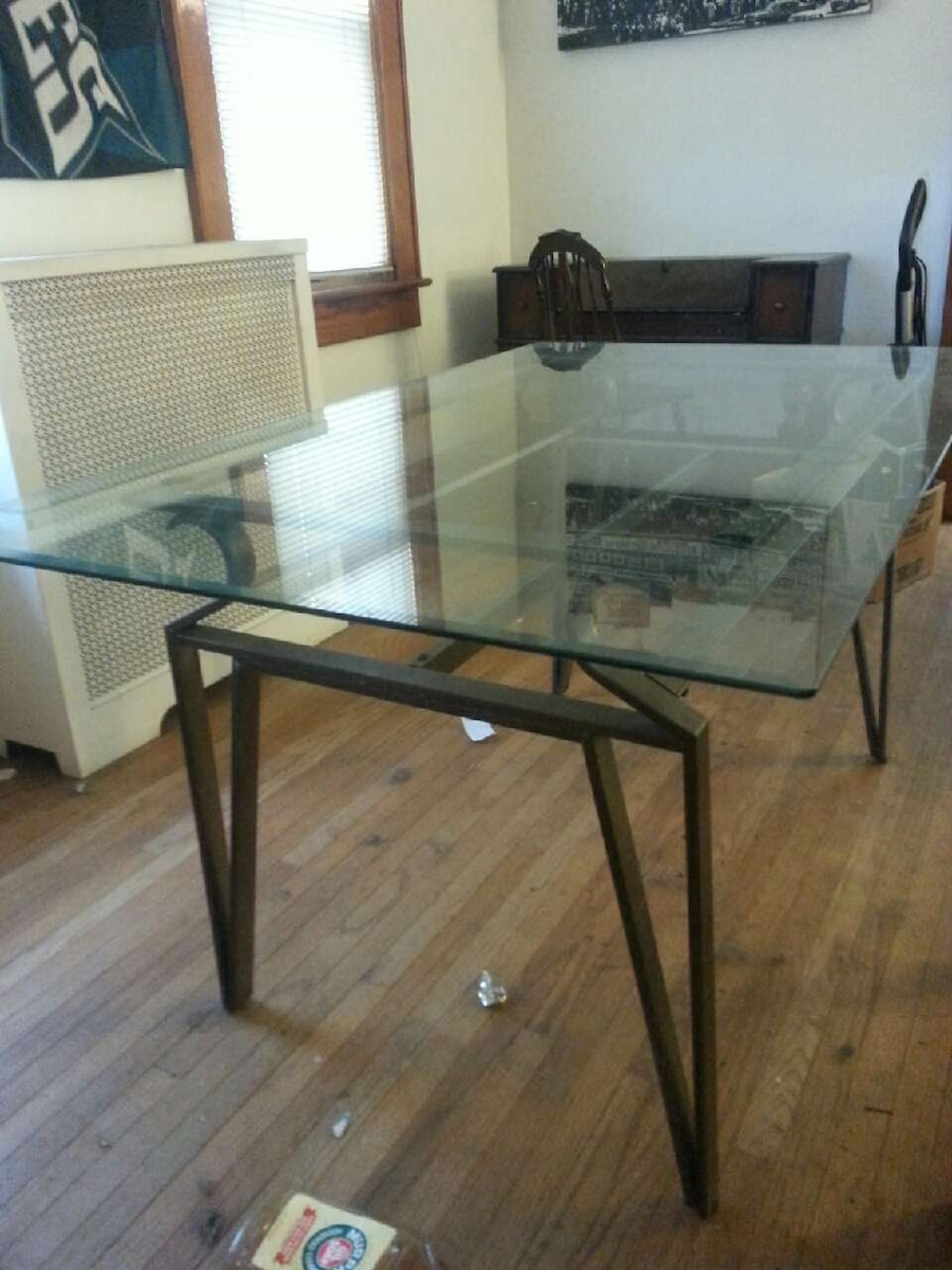 Letgo glass top dining table in west nanticoke pa for Glass top dining table 36 x 60