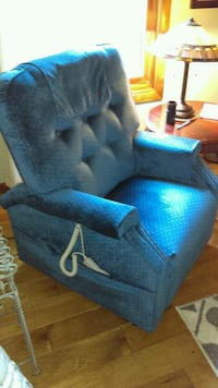 New blue lift chair Vancouver, 98661