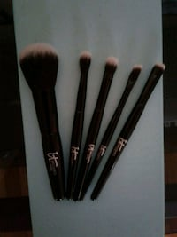 BRAND NEW IT COSMETICS TRAVEL BRUSH SET  Hewlett, 11557