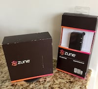 Zune 30 GB Digital Media Player (Black) & AC Adapter Reston, 20190
