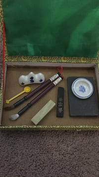 Chinese writing tools and ceramic bowl Vaudreuil-Dorion, J7V 8P5