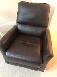 Recliner - Like New Arlington, 22202