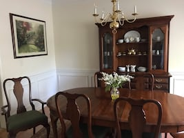 Antique Queen Anne Dining room set