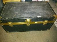 Luggage chest bkack large good condition North Las Vegas, 89030