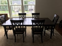 Wood dining room set w/6 chairs (2 arm chairs, 4 side chairs) Woodbridge, 22192