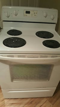 White whirlpool oven. Very good condition