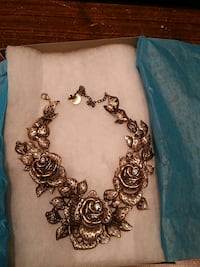 Collier neuf Mont-Royal, H3P 1Y3